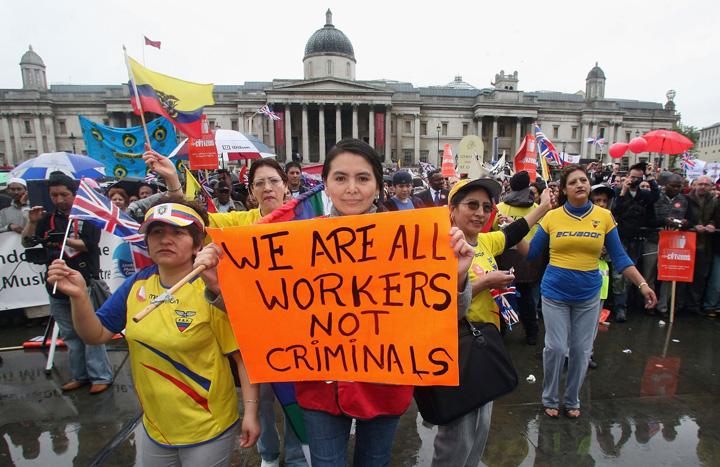 """workers1 """"Plantatia"""" britanica ramane fara salahori!"""