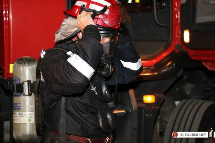 15055751 1644697452222807 1521982762957149877 n incendiu 720x480 Incendiu puternic intr un depozit din zona Valea Cascadelor