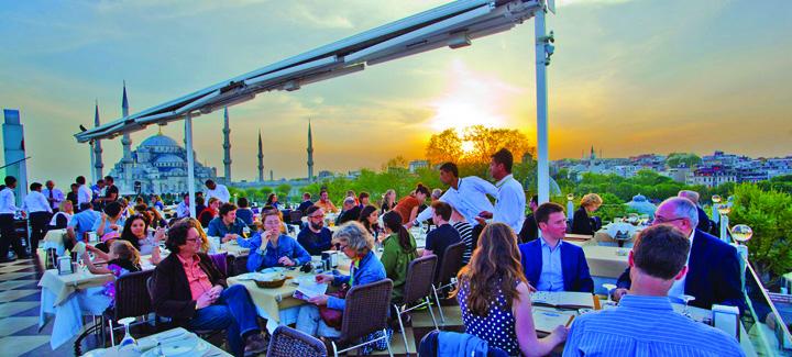 """5 Secretul afaceristilor turci: """"pentru un dolar, pupam si fundul turistului!"""""""