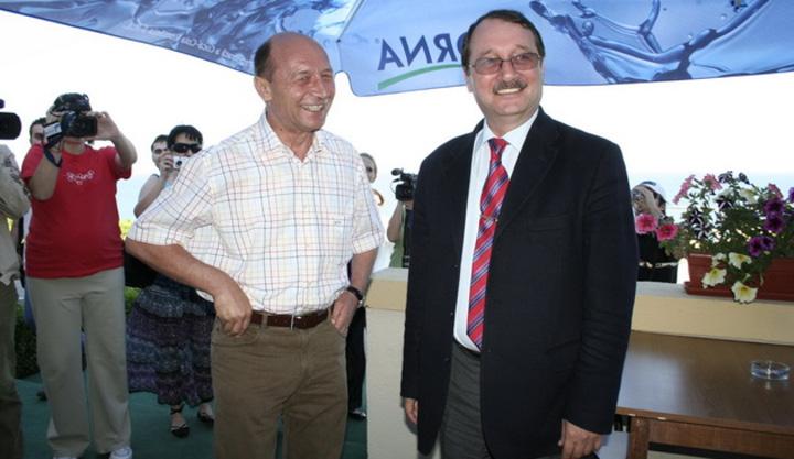 Basescu Mircea Basescu ziuadeconstanta.ro  Familia Basescu ataca Romania la CEDO
