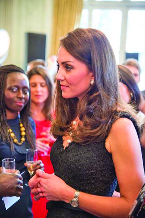 Le prince William et Kate Middleton lancent Les Voisins a l Ambassade britannique a Paris 3 Kate si William, pelerinaj la Paris