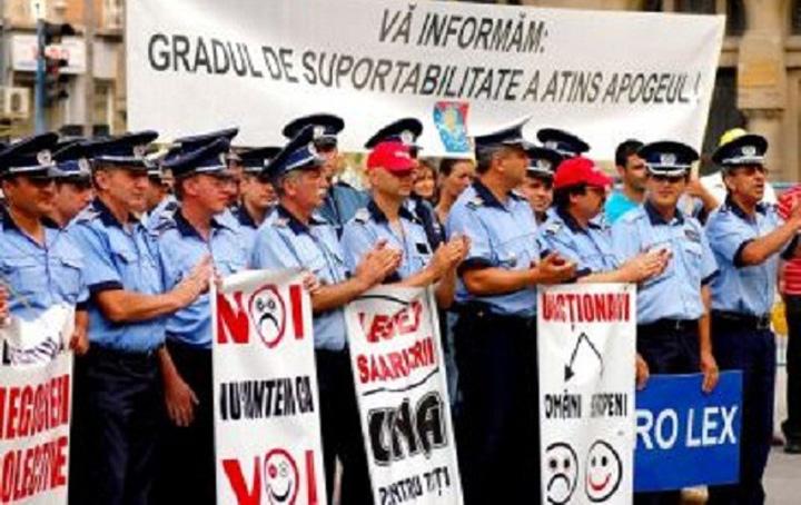 Proteste politisti Avem noua lege a pensiilor MAI!