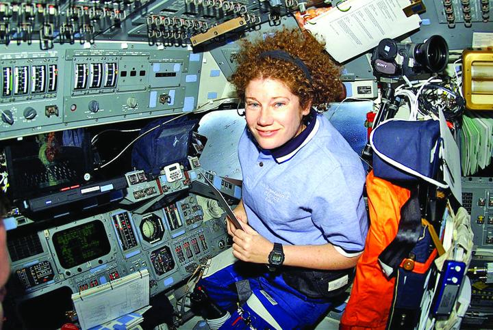 astronauta Ce ceasuri a aprobat NASA pentru spatiu