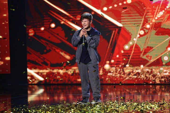 beniamin golden buzz 720x480 Beatbox la Romanii au talent: Pustiul pe care Florin Calinescu l a trimis direct in semifinale!