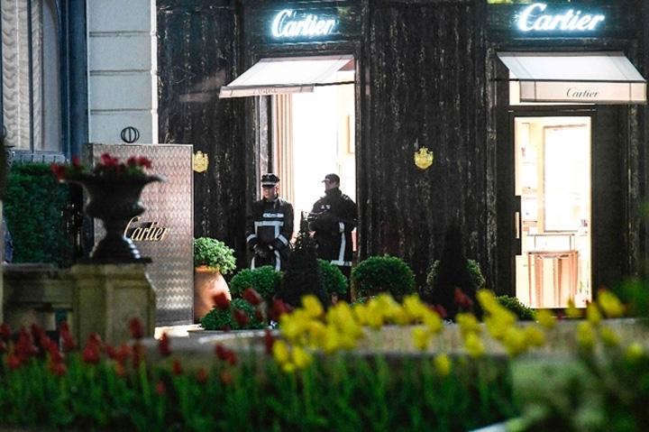 cartier Monaco, jaf armat la Cartier