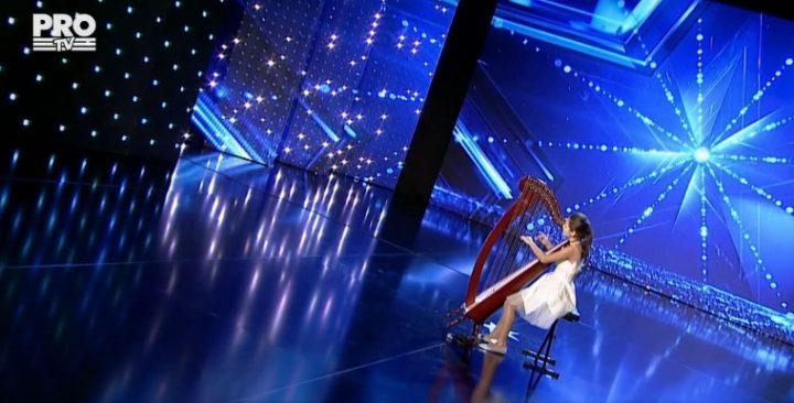 daria 720x366 Romanii au talent 2017   Daria si harpa fermecata: A fost superb!
