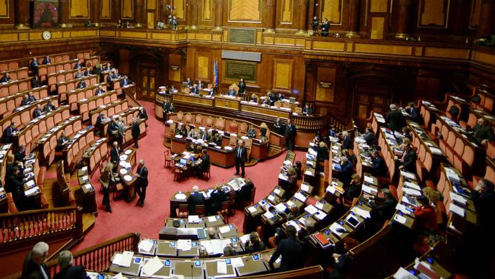 deputati italieni Un site irlandez a comparat salariile deputatilor din diferite tari europene