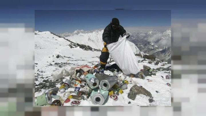 everest Everestul intra in curatenia de primavara