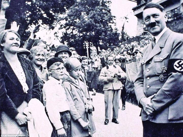 hitler2 Adolf Hitler, fotografii inedite