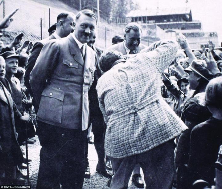 hitler3 Adolf Hitler, fotografii inedite