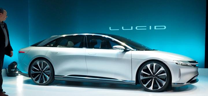 lucid1 Iata l pe dusmanul lui Tesla!
