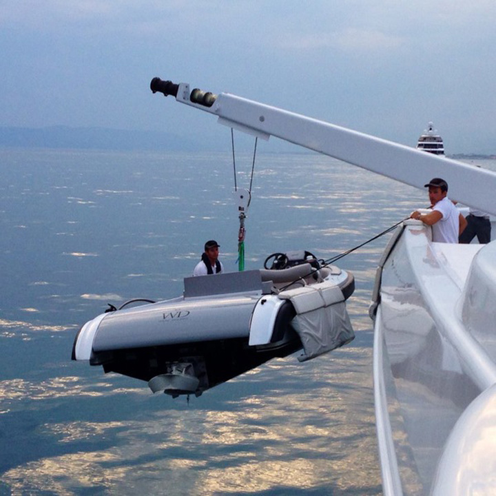 marinara 3 O romanca este marinar pe yahtul seicului din Qatar