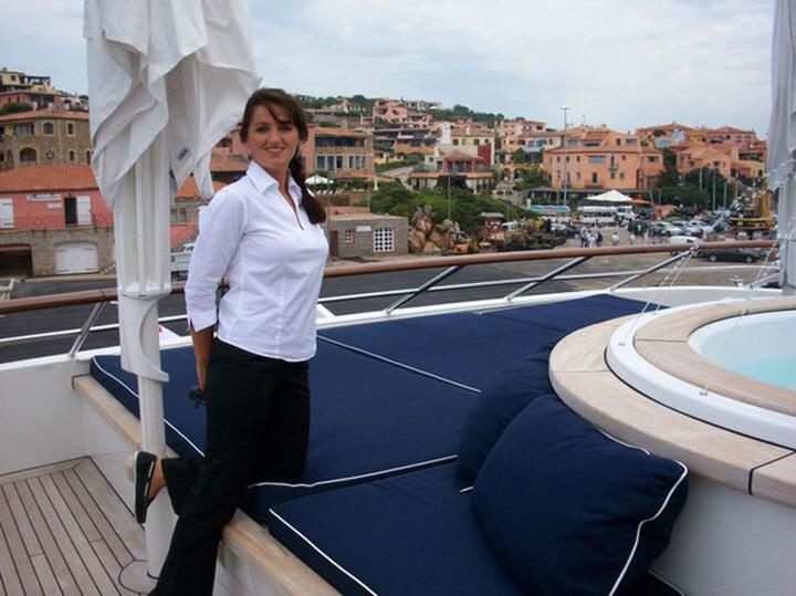 marinara 6 O romanca este marinar pe yahtul seicului din Qatar