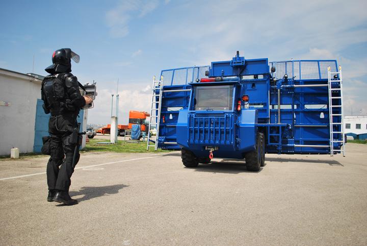 masina monstrujpg Monstrul Politiei Romane