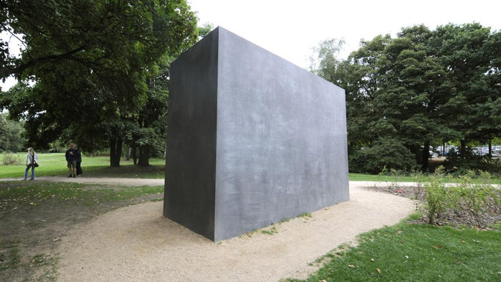 memorial Germania  reabiliteaza 50.000 de gay condamnati dupa razboi