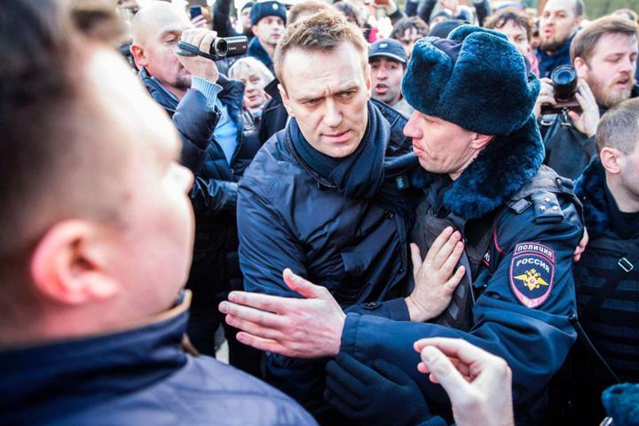 navalnii S au pus cu Putin