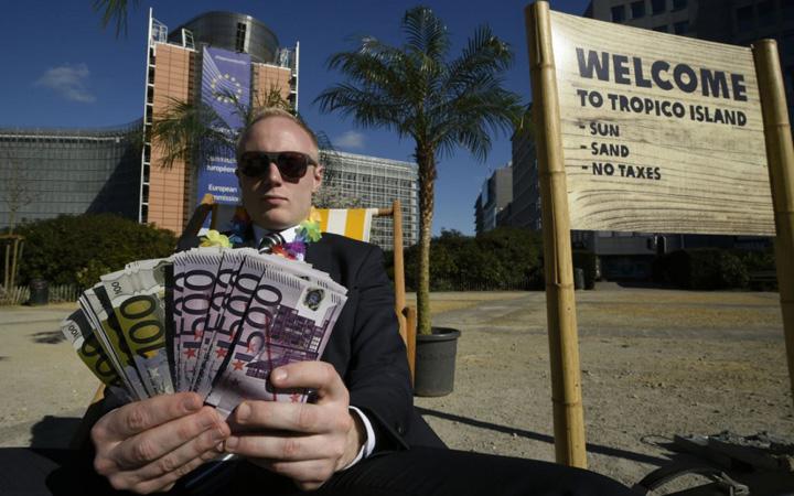 paradis fiscal Bancile fac zeci de miliarde de euro in paradisuri fiscale