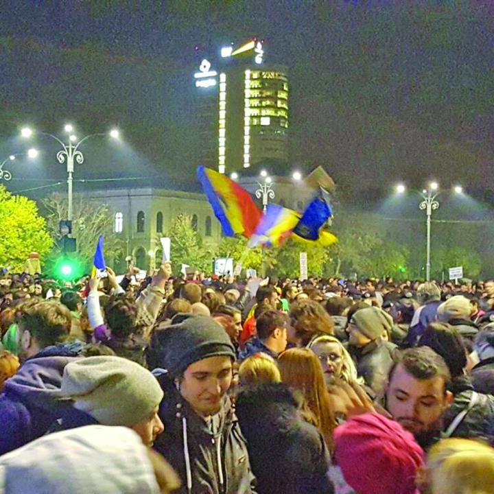 proteste piata victoriei 6 1024x1024 Sondaj remiza Putere – Opozitie