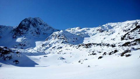 salvamontisti Operatiune de amploare in Retezat, menita sa dea de urma a doi alpinisti