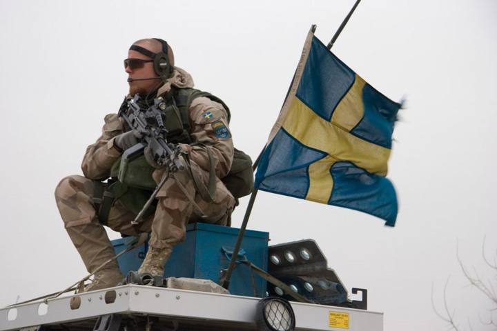 sms suedia armata Pe suedezi ii paste armata obligatorie!