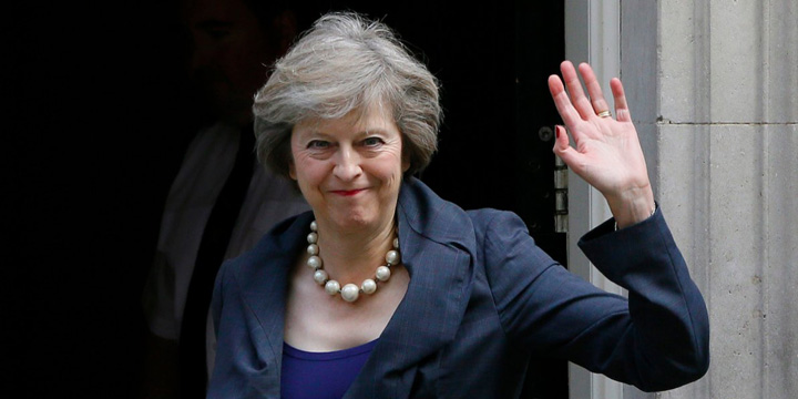 theresa may Brexitul,  in blocstarturi