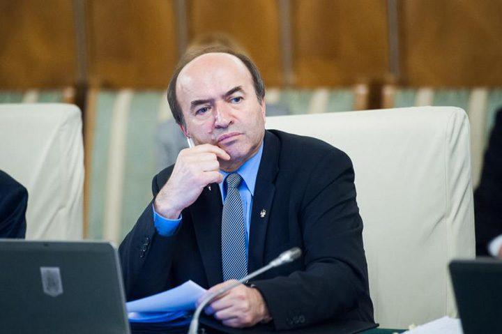 toader 2 720x479 Olguta Vasilescu arata cu degetul in directia ministrului Justitiei: are restante!