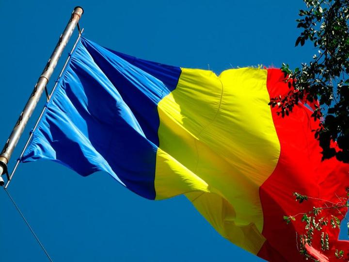 tricolor.u6klx1giz3 Wall Street Journal reincalzeste scandalul drapelului Romaniei