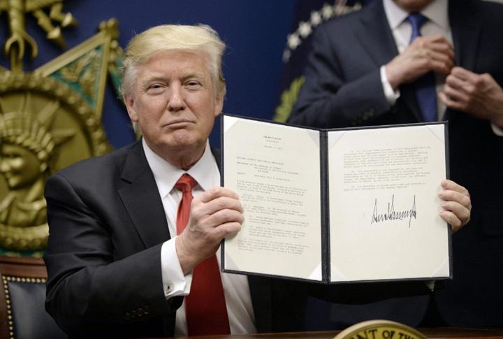 trump decret Trump incaseaza o noua palma de la justitie