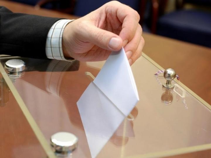 urna vot Vom vota tot prost, dar in urne inteligente
