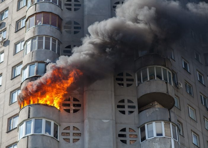 vizual Advert incendiu 702x500 Tu cum îți protejezi casa în cazul unui INCENDIU?