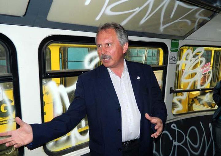 04 Csuzi Istvan Un roman va fi seful transportului public din Abu Dhabi