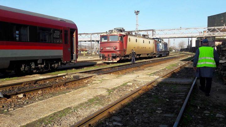 17361687 1932832426944972 6254525321808774531 n tren 720x405 Probleme pe calea ferata. Copaci cazuti pe sine, trenuri cu intarzieri