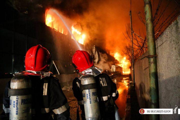 17759676 1869049649787585 2749528710622150251 n incendiu afum 720x480 Incendiu violent la iesirea din Capitala: un om a murit, altul a ajuns la spital
