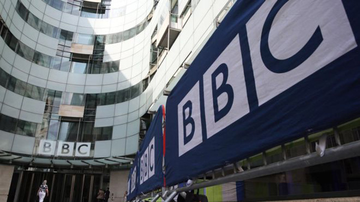BBC MEGASCANDAL la BBC: sute de directori, platiti aiurea din bani publici