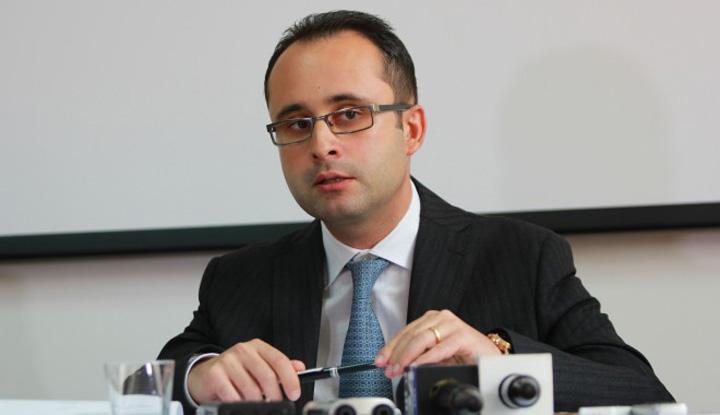 Cristian Bușoi Busoi vrea musai o scatoalca de la Gabriela Firea
