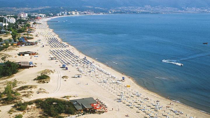 EUROPEMEDITERRANEANBULGARIABULGARIA BOURGASSUNNYBEACHRES 002548 Bulgarii ne au tras o si de Paste. Au cea mai ieftina plaja din Europa!