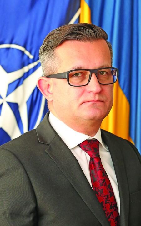 Florin Lazar Vladica Omul lui Tender se vrea ministrul Apararii