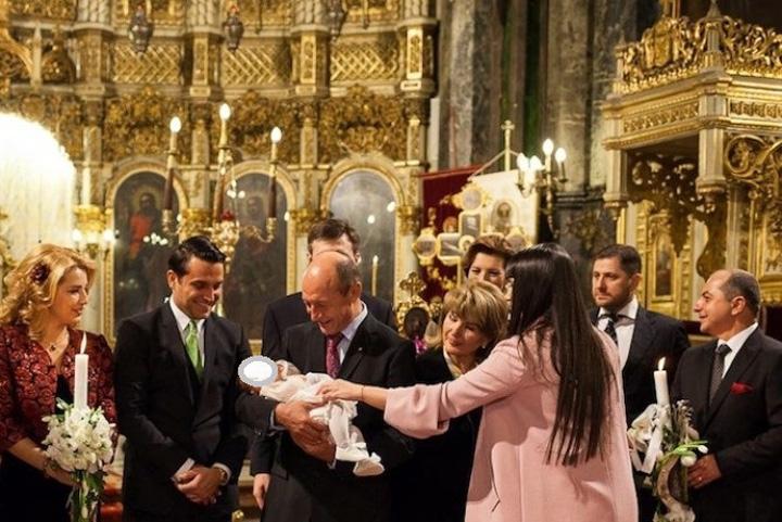 botez1 Triada Basescu, Cirstoiu, Pricop    afaceri cu iz penal la Spitalul Universitar