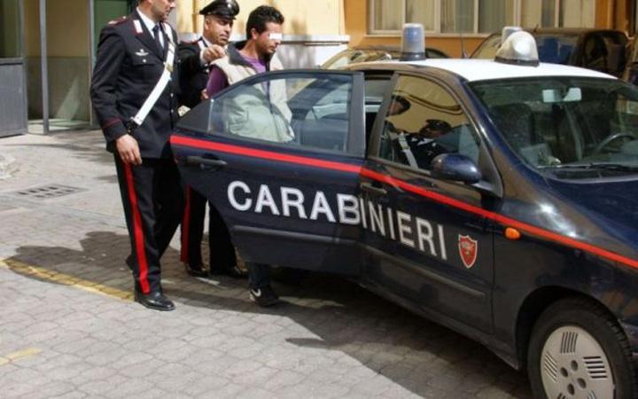 carabinieri infractori romani Politician italian: Am importat 40% dintre infractorii din Romania!