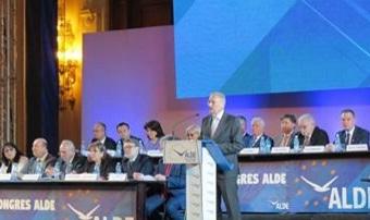 const Fostul presedinte Constantinescu, elogiu pentru Tariceanu: Avem nevoie de lideri adevarati