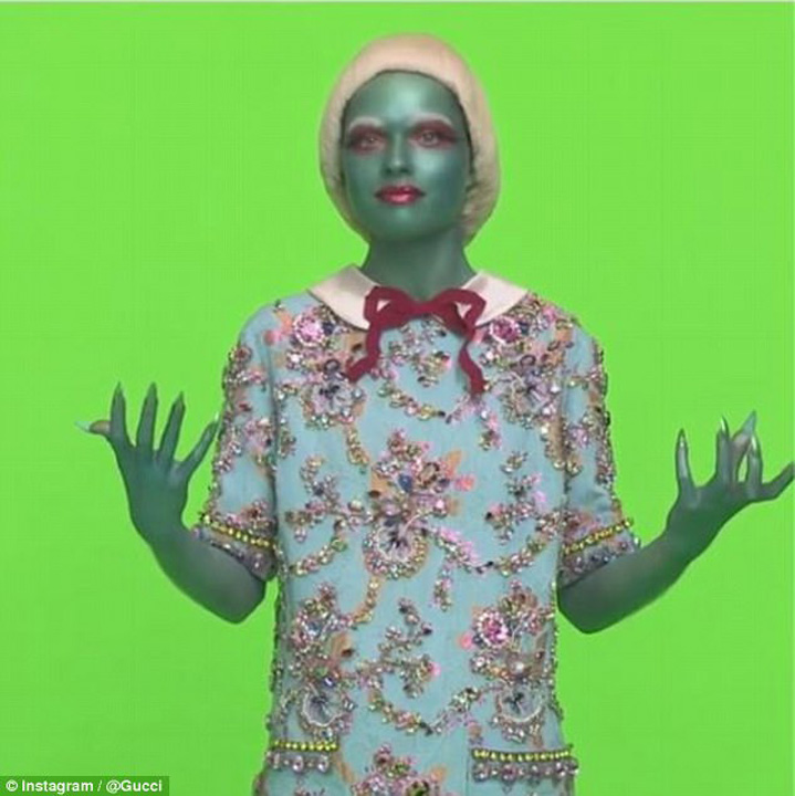 gucci Copy Gucci pariaza pe extraterestri