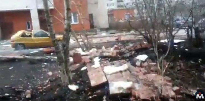 incident2 720x354 Nou incident in Sankt Petersburg, de aceasta data intr un cartier din oras (VIDEO)
