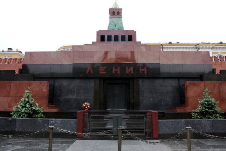 mausoleul lui lenin din moscova iu6r Lenin, din nou la vedere