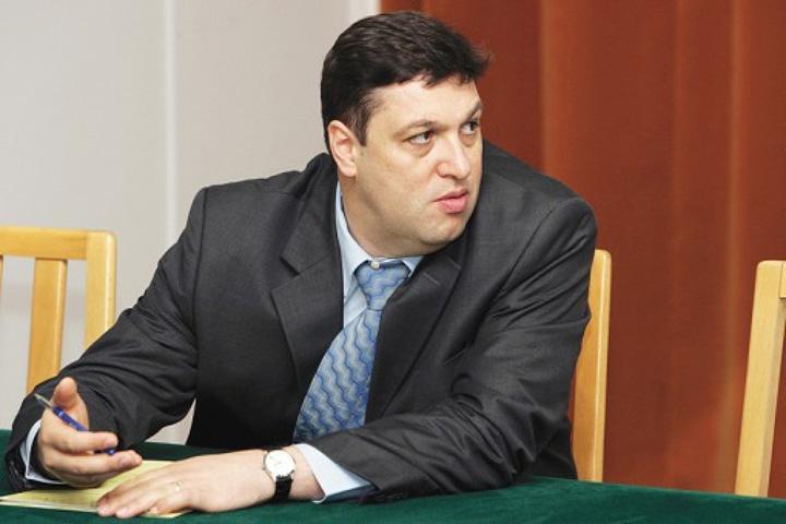 nicolae.hvcxdgam5j Ponta, atacat de omul lui Iliescu