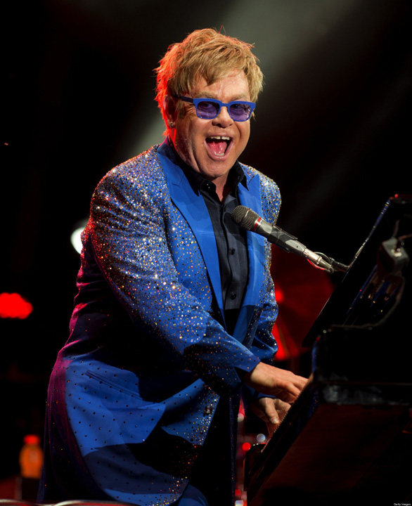 o ROCKETMAN ELTON JOHN facebook Elton John, doborat de o bacterie ucigasa!
