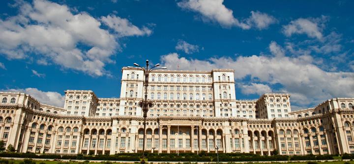 palatul parlamentului Tun la Palatul Parlamentului: 5.000 de euro/ora pentru niscai filmari