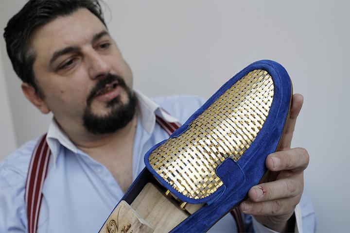 panrofi aur 2 Au aparut si pantofii de aur