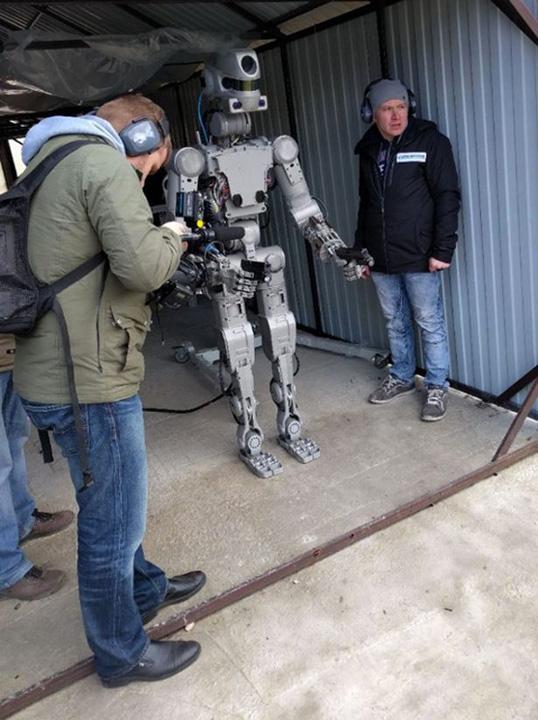 robot1 Putin si a facut Terminator