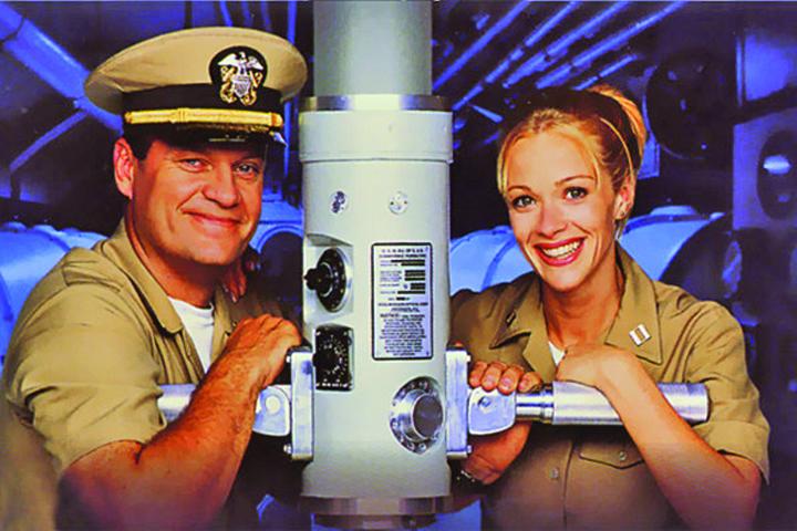 submarine medalion SUA fabrica submarine pentru femei
