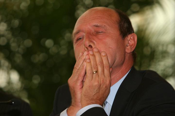 """suparat Ginerele lui Basescu, """"Avocatul Diavolului"""" Visoiu!"""